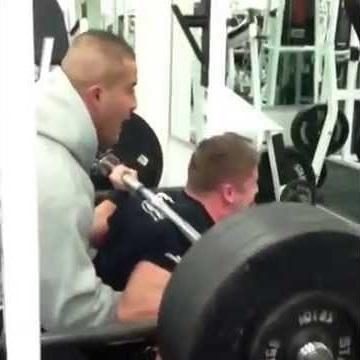 Squat: 193kg (425lbs) x 4