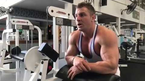 Ask me anything while I train Biceps! (LIVE STREAM)