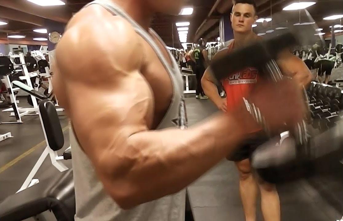 Smashing Back & Biceps with Robbie in Vegas!