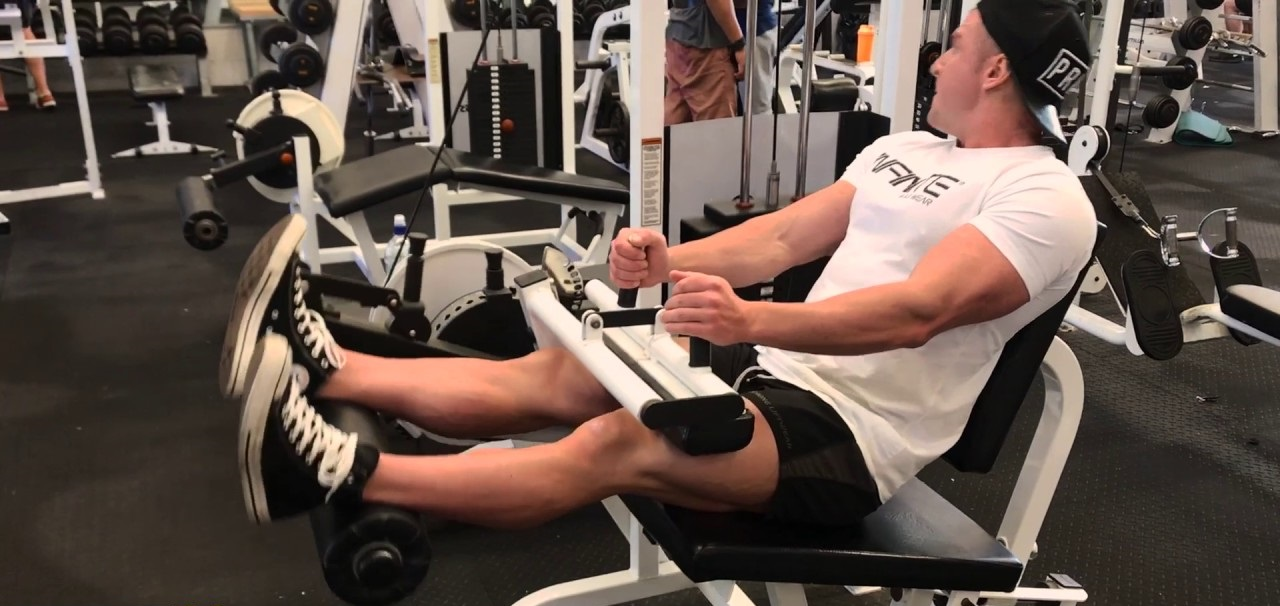 LEG DAY! (all exercises, sets & reps included)